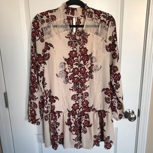 Altar'd State High Neckline Floral and Lace Tunic